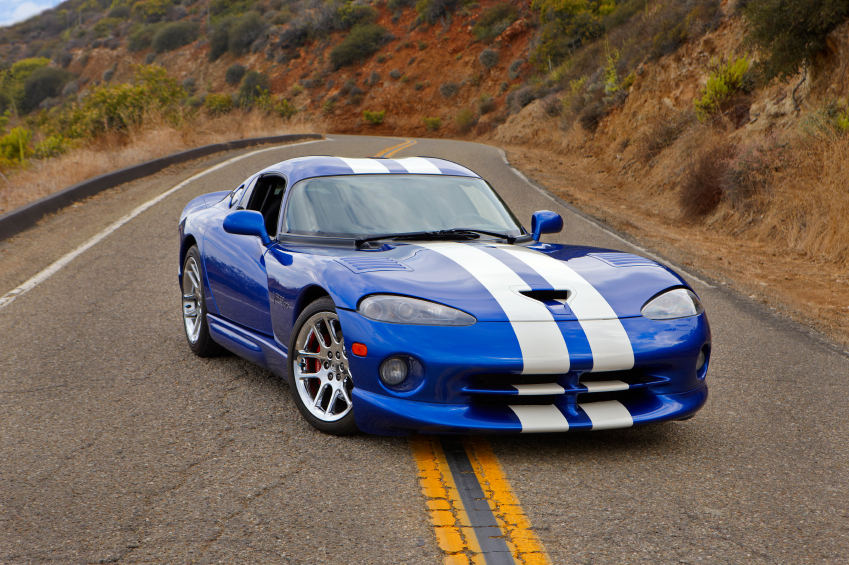 The 2011 hardtop Viper GTS earned its racing stripes with 450hp.