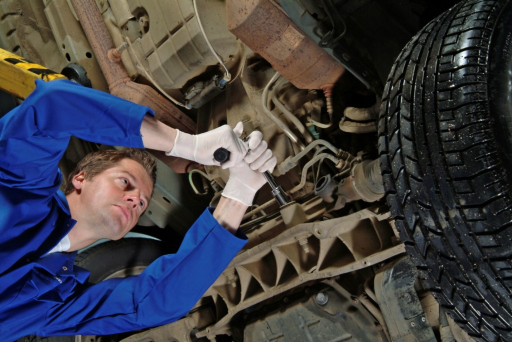 Auto mechanic school teaches suspension maintenance