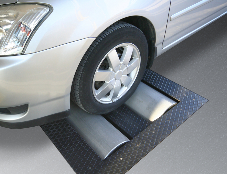 A dynamometer is a machine that calculates a car's power output