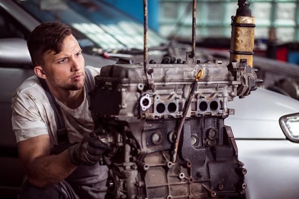 auto repair school