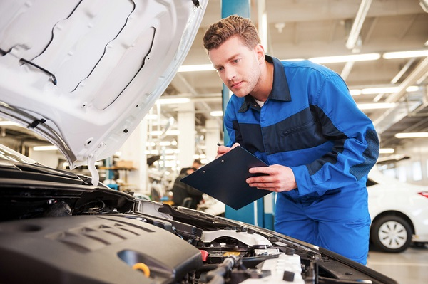 become an auto mechanic