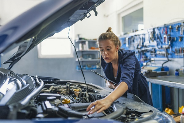 Mechanics must be mindful of electricity when working on systems