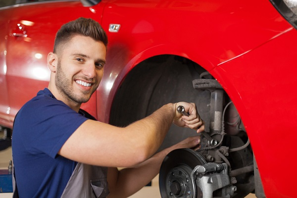 auto mechanic training in Ontario